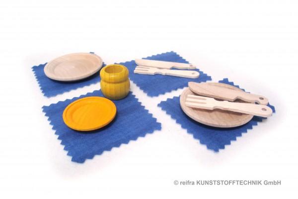 Teller & Besteck aus Holz